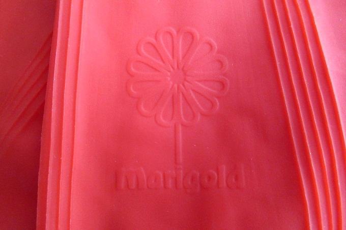 ゴム手袋 マリーゴールド ロゴ