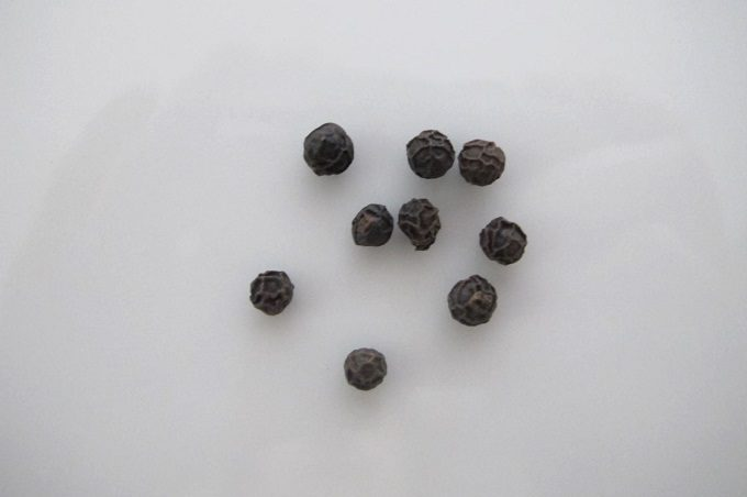 GABAN ブラックペパー ミル付きの中身の黒胡椒