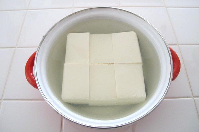 湯豆腐を作る