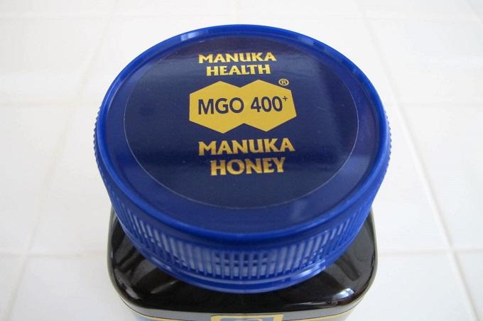 マヌカハニーMGO400+ 500g 蓋に記載されたMGO