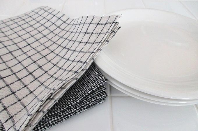 キッチンクロス リネン フォグ 皿を拭く