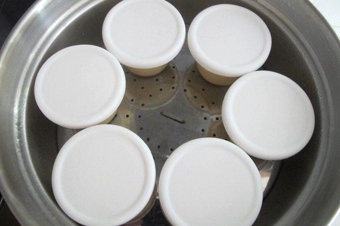 簡単なめらかプリンのレシピ 蒸し器で蒸す