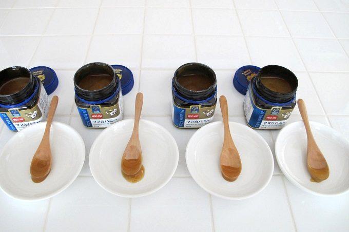 マヌカヘルス社のマヌカハニー食べ比べ 色比較