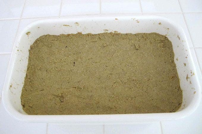 ぬか床に野菜を漬ける