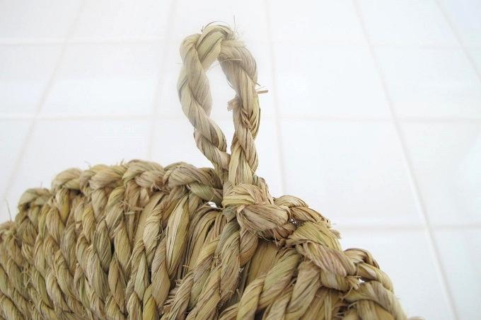 藁(わら)の鍋敷き ひっかけ部