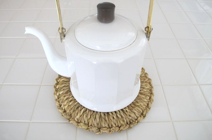 藁(わら)の鍋敷き やかん 16cm