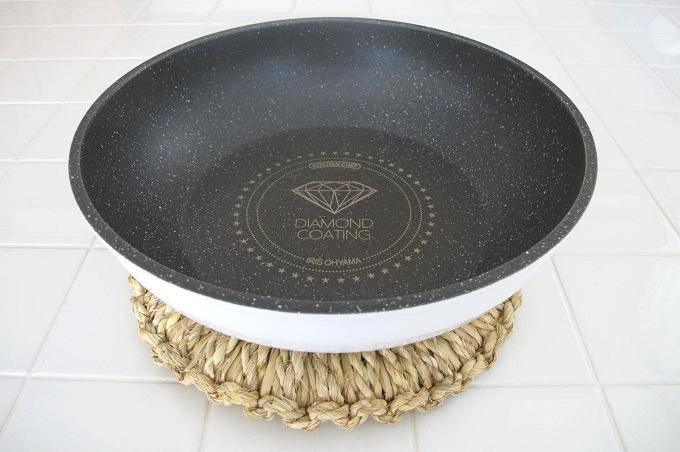 藁(わら)の鍋敷き 炒めなべ(フライパン) 26cm