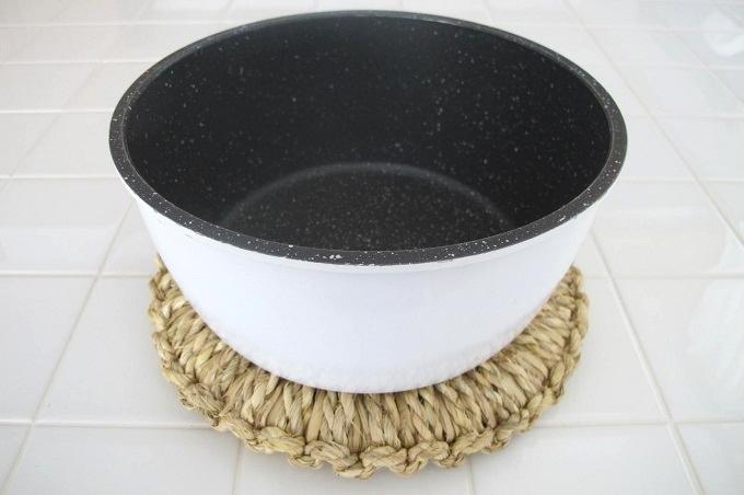 藁(わら)の鍋敷き なべ 20cm