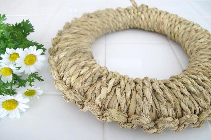 藁(わら)の鍋敷き