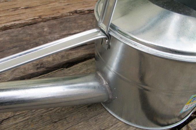 トタン製 散水ジョーロ 接合部1